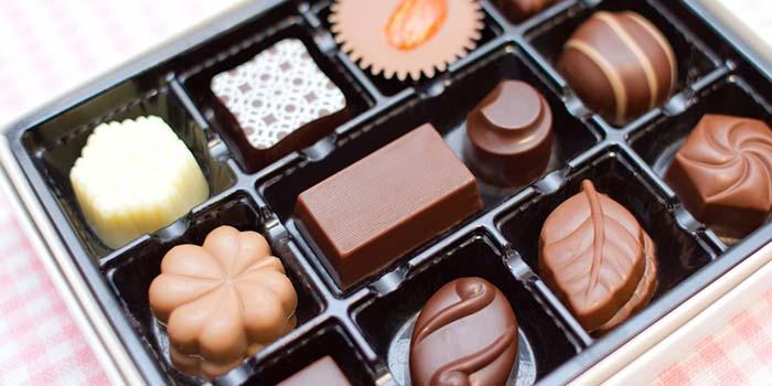 療育コラム 『そうだ!妻にチョコレートを食べさせよう!』問題行動を代替行動で対応する行動分析のススメ